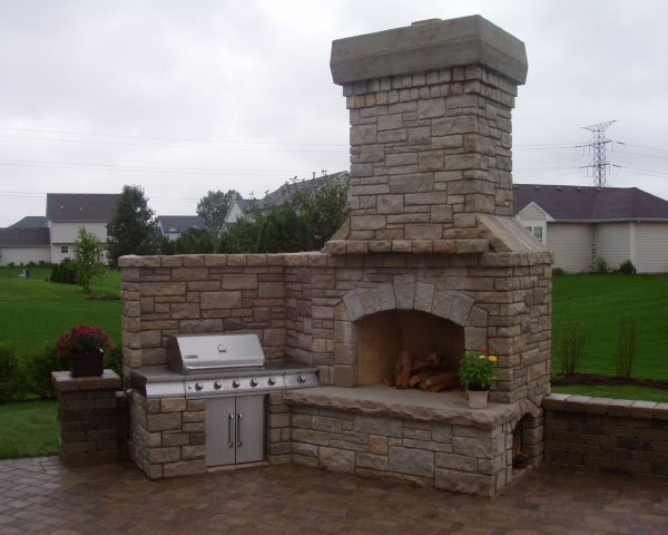 Custom Outdoor Kitchens And Fireplaces What You Need To Know